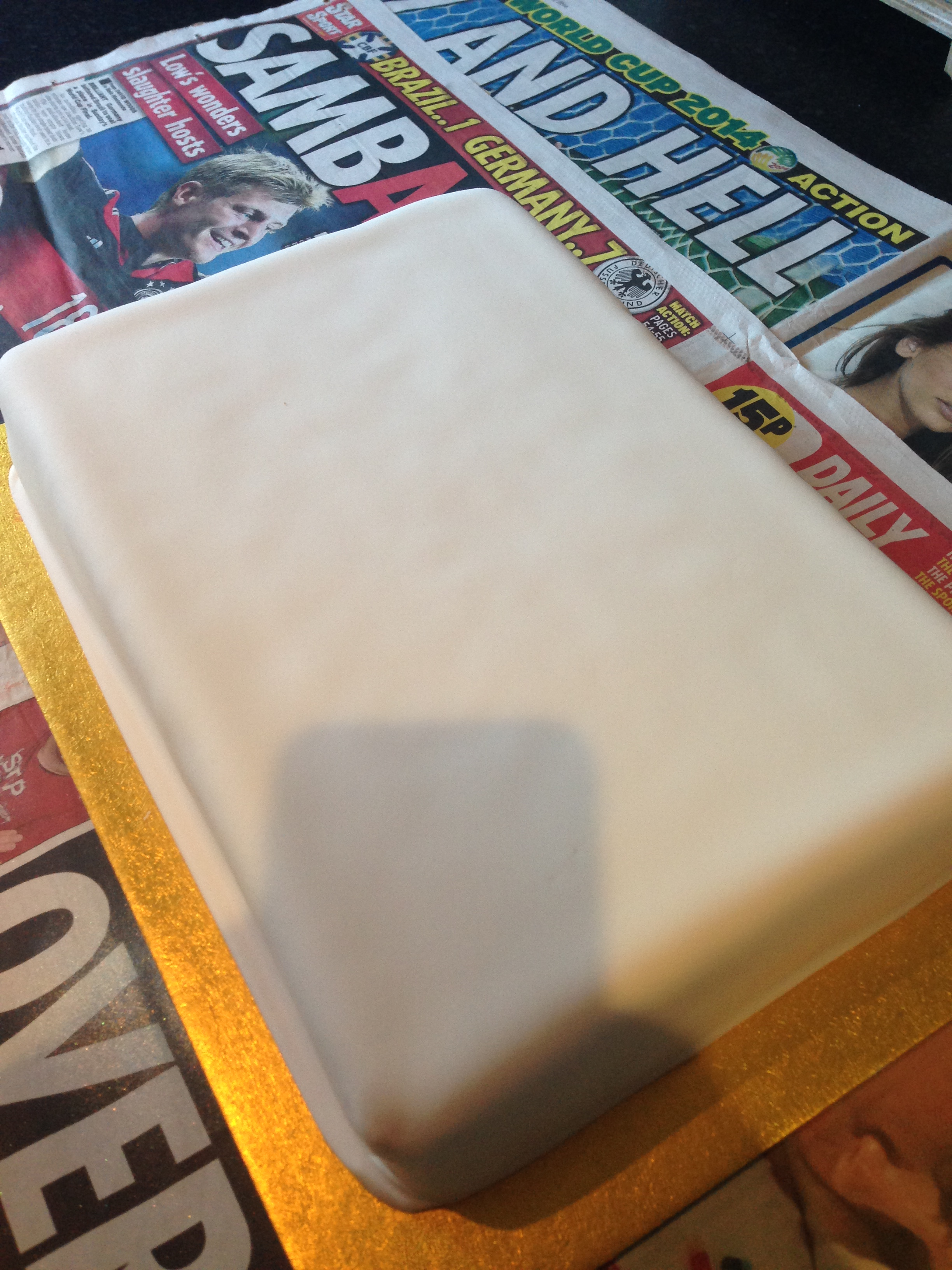 Design Your Own Photo Cake : Cheats Frozen Birthday Cake.   Diary of a Fat Bottomed Girl